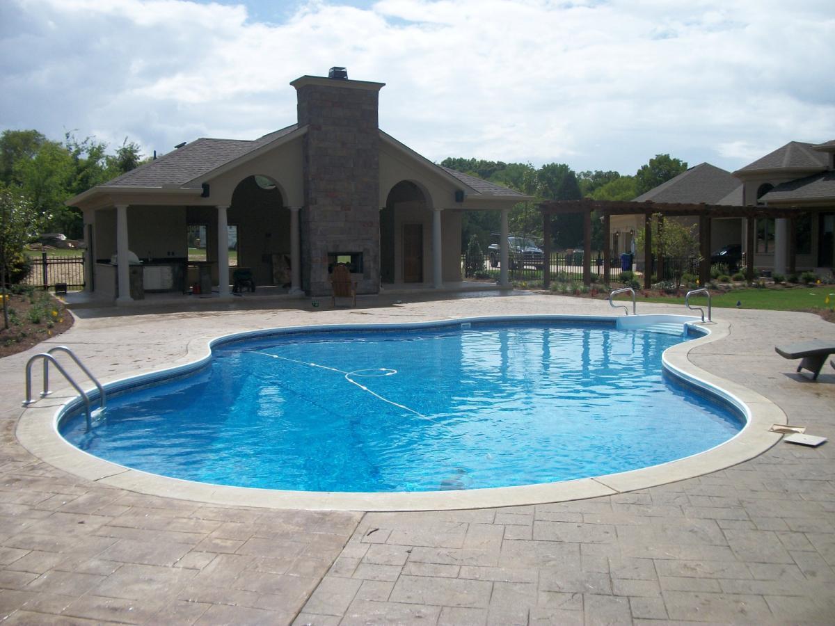 Swimming Pool Service : Swimming pool service